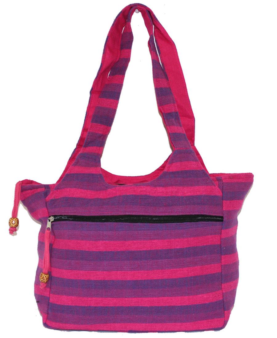 Сумка женская Ethnica, цвет: фиолетовый, цикламеновый. 11318010931-1Женская сумка Ethnica изготовлена из текстиля. Дополнена модель широкимиудобными лямками и украшена принтом в полоску.Передняя стенка сумки оснащена втачным карманом на молнии. Застегивается изделие на застежку-молнию.