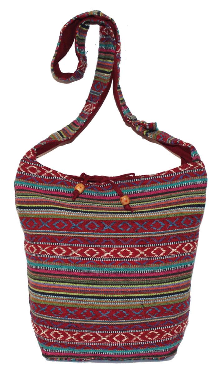 Сумка женская Ethnica, цвет: красный, мультиколор. 206165BM8434-58AEЖенская сумка Ethnica изготовлена из текстиля. Дополнена модель широкой удобной лямкой и украшена тонкой вышивкой. Застегивается изделие на застежку-молнию.
