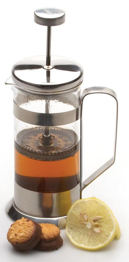 Френч-пресс BergHOFF, 600млVT-1520(SR)Френч-пресс для кофе,чая Studio 600 мл выполнен из термостойкого стекла и нержавеющей стали. Отлично подходит для заваривания любых сортов кофе, без проблем справится с любым помолом кофе. Помимо кофе, во френч-прессе можно заварить чай. Наружная крышка из нержавеющей стали с полипропиленовой прокладкой. Подходит для использования в посудомоечной машине. Упакован в подарочную коробку.