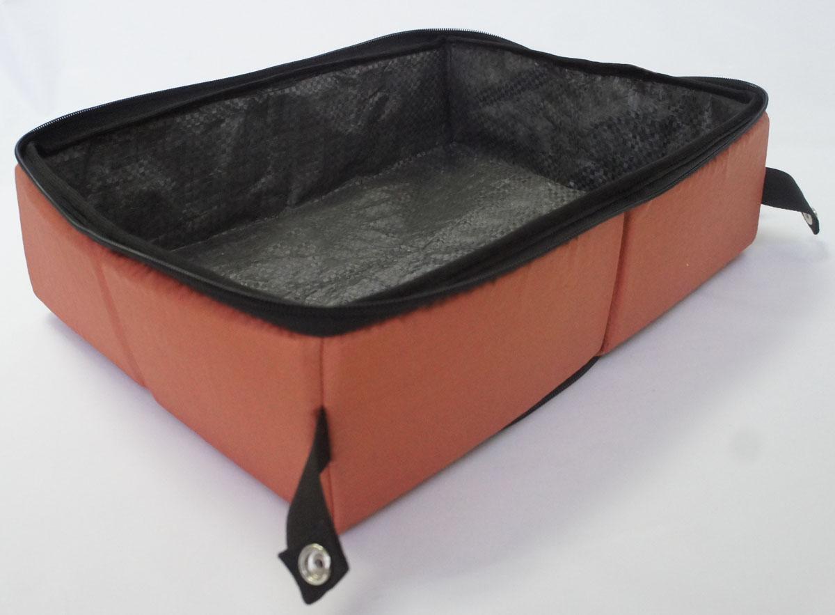 Лоток-туалет Шоу-Петс, дорожный, складной, цвет: корица, 40 х 50 х 11 смЛДСК3Дорожный складной лоток Шоу-Петс имеет крышку, которая по периметру застегивается на молнию и полностью исключает выпадение крошек наполнителя, а так же изолирует запах. Такой дорожный лоток удобно использовать в транспорте, на выставке, в отеле и на даче, лоток легко стирается в стиральной машине и быстро сохнет.Внутренний материал выполнен из специального ламинированного нейлона, что исключает возможность для животного зацепиться когтем при копании наполнителя в лотке.В сложенном виде лоток фиксируется специальной стропой на кнопку и практически не занимает места.