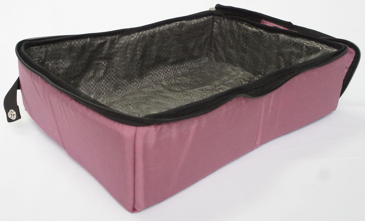 Лоток-туалет Шоу-Петс, дорожный, складной, цвет: бордовый, 30 х 40 х 11 см. ЛДСР2ЛДСБ2Дорожный складной лоток Шоу-Петс имеет крышку, которая по периметру застегивается на молнию и полностью исключает выпадение крошек наполнителя, а так же изолирует запах. Такой дорожный лоток удобно использовать в транспорте, на выставке, в отеле и на даче, лоток легко стирается в стиральной машине и быстро сохнет. Внутренний материал выполнен из специального ламинированного нейлона, что исключает возможность для животного зацепиться когтем при копании наполнителя в лотке.В сложенном виде лоток фиксируется специальной стропой на кнопку и практически не занимает место.