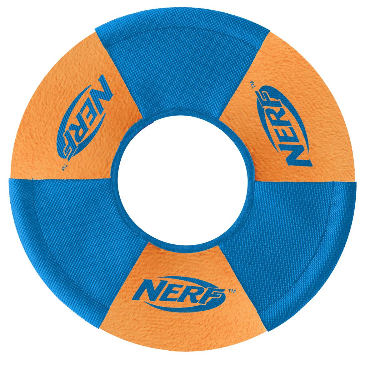 Игрушка для собак Nerf Диск для фрисби, плюшевый, цвет: синий, оранжевый, 22,5 см22552Летающая тарелка-фрисби Nerf – это удивительный спортивный снаряд, с которым не придется скучать.Кроме великолепных лётных качеств, диск безопасен для собачьих зубов и десен.Ультрамягкие плюшевые панели с прочными резиновыми покрытием из нейлона.Оптимален для активных игр на свежем воздухе.Диаметр: 22,5 см.