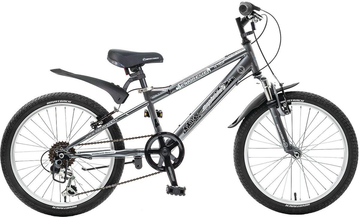 Велосипед детский Novatrack Extreme, цвет: темно-серый, 20WRA523700Novatrack Extreme 20'' – это безопасный и надежный велосипед для мальчиков 7-10 лет, который поможет освоить азы катания на скоростном велосипеде. 20 дюймовые колеса уже отличают эту модель от велосипедов, на которых катаются дошколята. Велосипед оснащен 6-скоростной системой переключения передач, амортизационной вилкой, передним ручным тормозом, регулируемым сидением и рулем, для обеспечения удобной посадки. Велосипед достаточно легкий, поэтому ребенок сможет самостоятельно его транспортировать из дома во двор. Extreme 20'' предназначен для активной езды и готов к любым испытаниям на детской площадке, в парке и других местах, пригодных для катания.