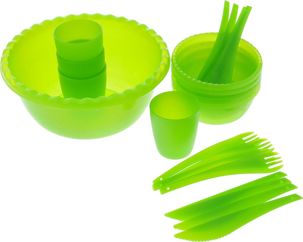 Набор для пикника Plastic repablic Фазенда, 21 предмет00000927Набор для пикника и барбекю Plastic repablic Фазенда предназначен на 4 персоны. Изделия выполнены из высококачественного пищевого пластика. Легкий и прочный пластик подходит для многократного использования. В объемный салатник хорошо сложить приготовленный шашлык, а столовых приборов, стаканов и маленьких тарелок хватит на целую компанию. Набор для пикника Фазенда обеспечит полноценный отдых на природе для большой компании или семьи. В набор входят: - салатник - объем 3 л, диаметр (по верхнему краю) 25 см, высота стенки 10,5 см;- 4 тарелки - объем 400 мл, диаметр 13,5 см, высота стенки 5,5 см; - 4 стакана - объем 400 мл, диаметр (по верхнему краю) 7,3 см, высота 8 см;- 4 вилки - длина 18,5 см; - 4 ложки - длина 18,5 см; - 4 ножа - длина 18,5 см.