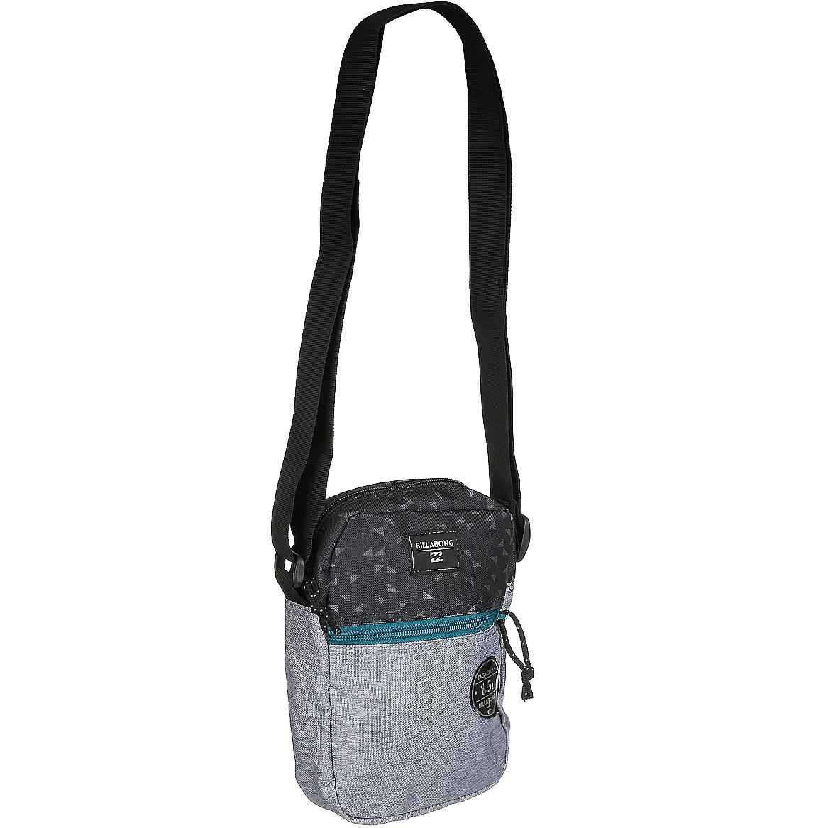 Сумка Billabong Boulevard Satchel, цвет: черный, серыйBM8434-58AEКомпактная сумка для документов в минималистичном дизайне. Сумка подходит для документов, телефона, фотоаппарата. Основное отделение на молнии. Один внешний карман на молнии. Регулируемый плечевой ремень.Объем: 1,5 литра.