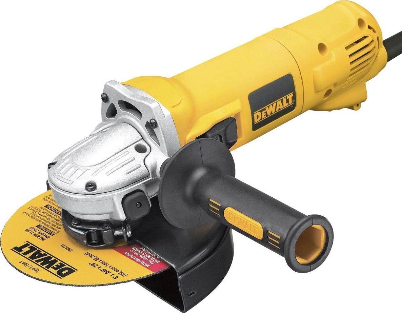 Машина углошлифовальная DeWalt. D28141D28141Углошлифовальная машина DeWalt предназначена для абразивной обработки: резки, шлифования и зачистки изделий из камня, металла и других материалов. Применяется в строительстве, металлообработке и обработке древесины.Особенности углошлифовальной машины DeWalt:- Система пылеудаления отбирает большинство частиц из потока воздуха, проходящего через двигатель, предотвращая абразивный износ и повреждение изоляции.- Новая конструкция фланцев обеспечивает смену диска с меньшим усилием по сравнению со стандартными фланцами и исключает его заклинивание.- Защита двигателя от абразивной пыли для увеличения срока службы.- Новая конструкция защитного кожуха позволяет без ключа устанавливать, регулировать и снимать защитный кожух для повышения эксплуатационной гибкости.- Антивибрационная боковая рукоятка для большего удобства пользователя.- Обмотки статора с прямыми выводами без использования клемм для увеличения надежности двигателя.- Самоотключающиеся щетки защищают якорь от повреждения в случае истечения срока их службы, обеспечивая, тем самым, продолжительный срок службы самого двигателя.- Низкопрофильный корпус редуктора для работы в труднодоступных местах. - Жесткая конструкция щеткодержателя предотвращает зависание щеток в экстремальных условиях эксплуатации.- Боковое расположение кнопки блокировки шпинделя предохраняет ее от повреждения при работе в узких местах.Держатель насадки: 42523 мм.Высота: 80 мм.Уровень вибраций при резании: 7.0 м/с2. Уровень вибрации при шлифовании: 42491 м/с2.Звуковое давление: 91 дБ(А).Погрешность уровня шума: 3 dB(A). Акустическая мощность: 102 дБ(А). Погрешность мощности создаваемого шума: 3 dB(A).