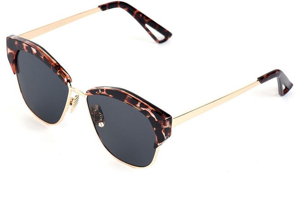 Очки солнцезащитные женские Selena, цвет: золотистый, коричневый. 80035591BM8434-58AEСолнцезащитные женские очки Selena выполнены из качественного материала. Линзы очков обеспечивают 100% защиту от ультрафиолетовых лучей.Такие очки защитят глаза от ультрафиолетовых лучей, подчеркнут вашу индивидуальность и сделают ваш образ завершенным.Размер (ширина линзы*ширина моста-длина дужки) 55*15-155.