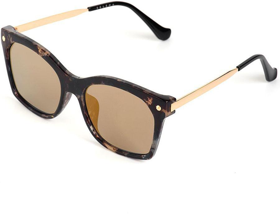 Очки солнцезащитные женские Selena, цвет: золотистый, коричневый. 80035701BM8434-58AEСолнцезащитные женские очки Selena выполнены из качественного материала. Линзы очков обеспечивают 100% защиту от ультрафиолетовых лучей.Такие очки защитят глаза от ультрафиолетовых лучей, подчеркнут вашу индивидуальность и сделают ваш образ завершенным.Размер (ширина линзы*ширина моста-длина дужки) 56*20-152.