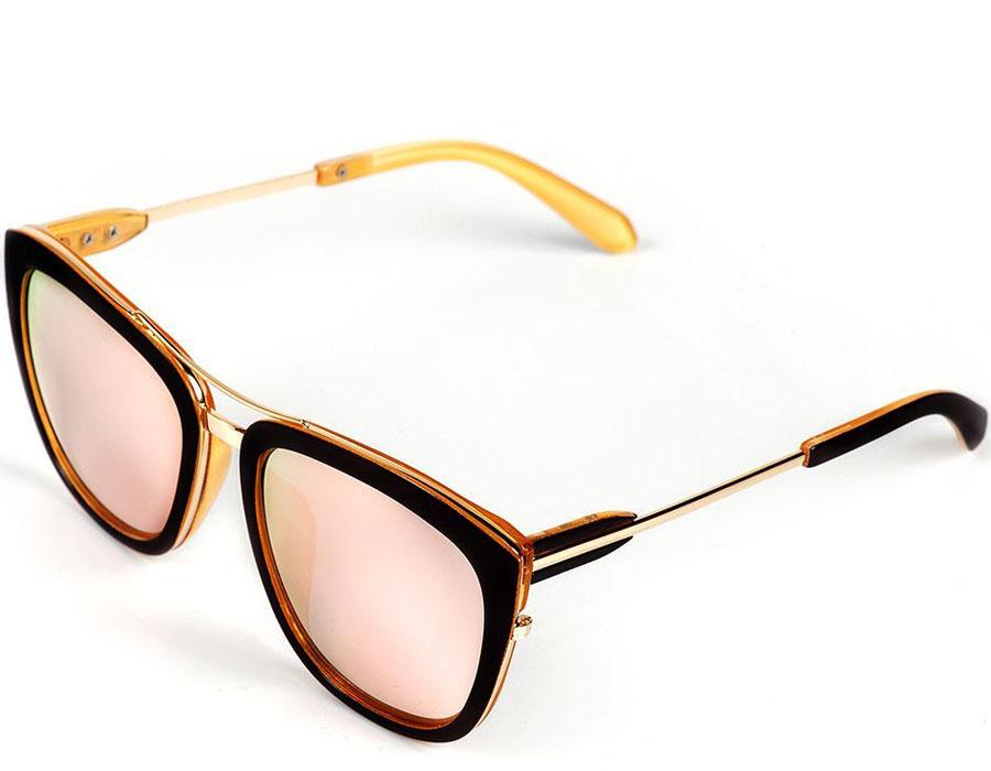 Очки солнцезащитные женские Selena, цвет: золотистый, коричневый. 80035831BM8434-58AEСолнцезащитные женские очки Selena выполнены из качественного материала. Линзы очков обеспечивают 100% защиту от ультрафиолетовых лучей.Такие очки защитят глаза от ультрафиолетовых лучей, подчеркнут вашу индивидуальность и сделают ваш образ завершенным.Размер (ширина линзы*ширина моста-длина дужки) 57*20-145.