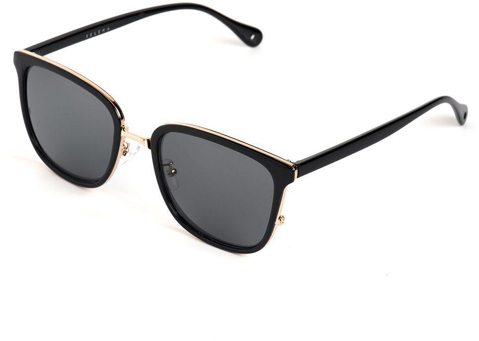Очки солнцезащитные женские Selena, цвет: черный. 80036111BM8434-58AEСолнцезащитные женские очки Selena выполнены из качественного материала. Линзы очков обеспечивают 100% защиту от ультрафиолетовых лучей.Такие очки защитят глаза от ультрафиолетовых лучей, подчеркнут вашу индивидуальность и сделают ваш образ завершенным.Размер (ширина линзы*ширина моста-длина дужки) 54*18-145.