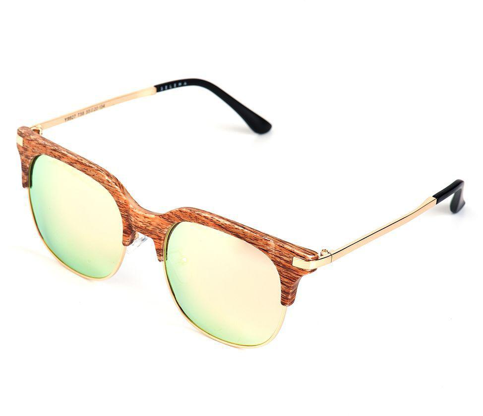 Очки солнцезащитные женские Selena, цвет: бежевый, золотистый. 800362411900671-5605Солнцезащитные женские очки Selena выполнены из качественного материала. Линзы очков обеспечивают 100% защиту от ультрафиолетовых лучей.Такие очки защитят глаза от ультрафиолетовых лучей, подчеркнут вашу индивидуальность и сделают ваш образ завершенным.Размер (ширина линзы*ширина моста-длина дужки) 55*20-134.
