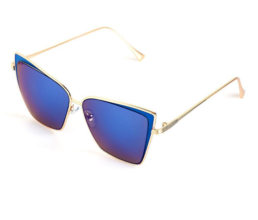 Очки солнцезащитные женские Selena, цвет: голубой, золотистый. 80036401BM8434-58AEСолнцезащитные женские очки Selena выполнены из качественного материала. Линзы очков обеспечивают 100% защиту от ультрафиолетовых лучей.Такие очки защитят глаза от ультрафиолетовых лучей, подчеркнут вашу индивидуальность и сделают ваш образ завершенным.Размер (ширина линзы*ширина моста-длина дужки) 53*17-146/