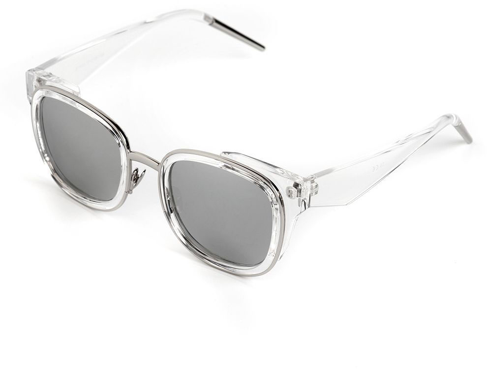 Очки солнцезащитные женские Selena, цвет: серебристый, серый. 80036431BM8434-58AEСолнцезащитные женские очки Selena выполнены из качественного материала. Линзы очков обеспечивают 100% защиту от ультрафиолетовых лучей.Такие очки защитят глаза от ультрафиолетовых лучей, подчеркнут вашу индивидуальность и сделают ваш образ завершенным.Размер (ширина линзы*ширина моста-длина дужки) 55*18-138
