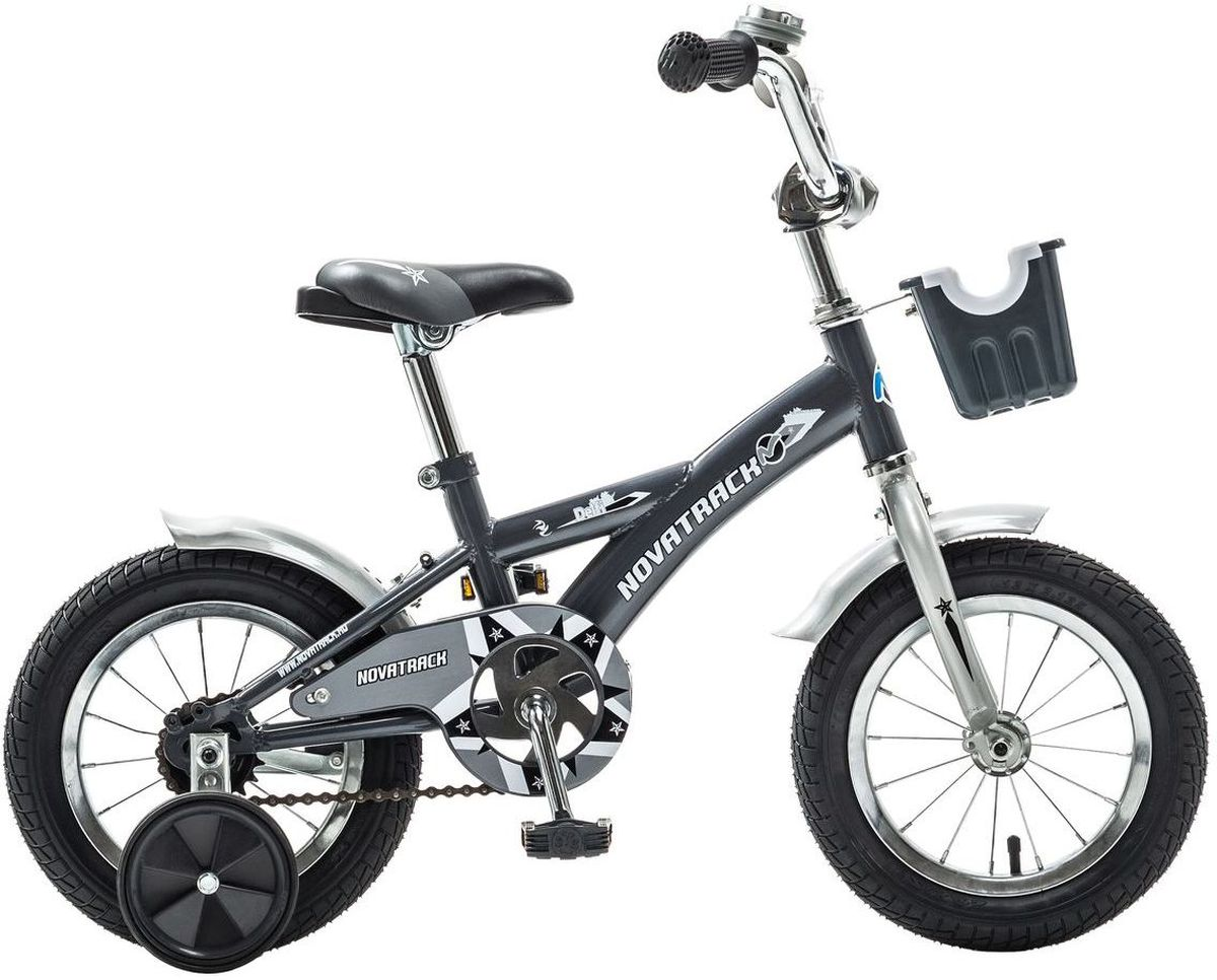 Велосипед детский Novatrack Delfi, цвет: серый, 12WRA523700Велосипед Novatrack Delfi c 12-дюймовыми колесами – это надежный велосипед для ребят от 2 до 4 лет. Привлекательный дизайн, надежная сборка, легкость и отличная управляемость – это еще не все плюсы данной модели. Велосипед Delfi снабжен ограничителем поворота руля, который не позволит ребенку слишком сильно вывернуть переднее колесо велосипеда, и тем самым предотвратит падения. Цепь закрыта декоративной накладкой, которая защитит одежду и ноги ребенка от попадания в механизм. Данная модель специально разработана для легкого обучения езде на велосипеде. Низкая рама позволит ребенку быстро взбираться и слезать с велосипеда. Колеса закрыты крыльями, которые защитят ребенка от брызг, а на руле располагается вместительная корзинка для перевозки самых необходимых в дороге предметов.