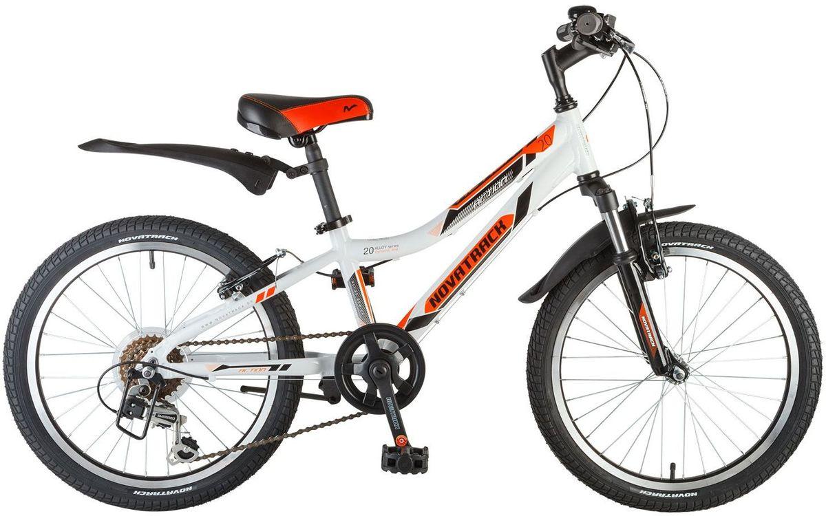 Велосипед детский Novatrack Action, цвет: белый, оранжевый, черный, 20WRA523700Велосипед Novatrack Action – это лучший велосипед для того, чтобы приобщить к катанию ребенка 7-10 лет. Рама велосипеда выполнена из алюминия, поэтому достаточно прочная и легкая, благодаря чему, ребенок сможет самостоятельно выносить свое транспортное средство во двор. Руль и сидение велосипеда регулируются по высоте, чтобы как можно дольше соответствовать росту ребенка. 6 скоростей позволят найти оптимальный режим езды при катании с горок и на горки. Эта модель прекрасно подойдет для обучения азам самостоятельного катания. Novatrack Action очень надежный, поэтому готов к любым дорожным испытаниям.