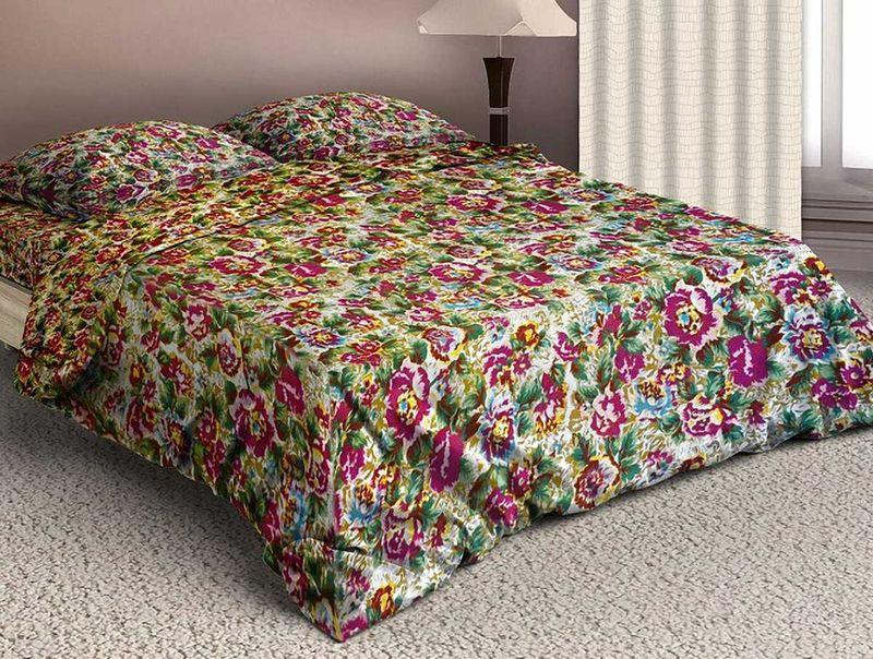 Комплект белья МарТекс Чудный сад, евро, наволочки 50х70, 70х70U210DFКомплект постельного белья МарТекс Чудный сад, выполненный из микрополиэстера, состоит из пододеяльника, простыни и четырех наволочек. Изделия оформлены оригинальным рисунком. Такой комплект подойдет для любого стилевого и цветового решения интерьера, а также создаст в доме уют. Приобретая комплект постельного белья МарТекс, вы можете быть уверенны в том, что покупкадоставит вам и вашим близким удовольствие и подарит максимальный комфорт.