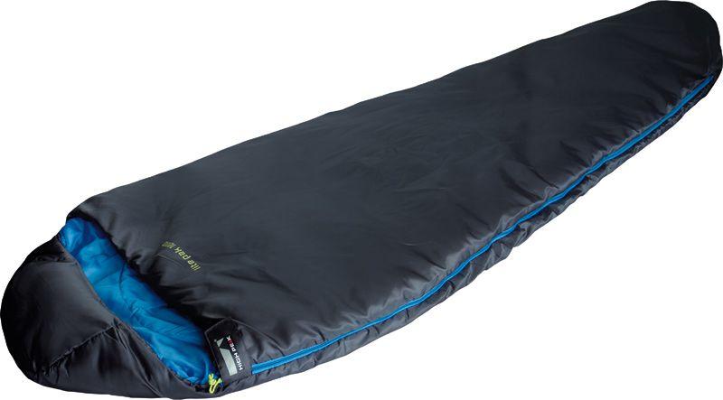 Спальный мешок High Peak Lite Pak 1200, цвет: антрацит, синий, левосторонняя молния23274Легкий спальник High Peak Lite Pak 1200 предназначен для летних походов. Спальник имеет полноценный капюшон, защищающий вашу голову в прохладную ночь. В верхней части молния фиксируется клапаном на липучке Velcro. На молнии два бегунка, которые позволяют расстегнуть спальник со стороны ног и сделать вентиляционное окно. Спальник утеплен высокоэффективным полым волокном DuraLoft с силиконовым покрытием волокон. Плотность утеплителя равна 200 г/м2 с обеих сторон спальника. В комплекте со спальником идет транспортировочный чехол. Объем чехла 9,9 л.