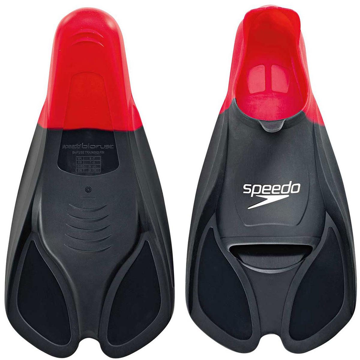 Ласты для плавания Speedo, цвет: красный. Размер 11-12. 8-088413991DRF-F367Ласты Speedo Biofuse Training Fins являются незаменимым аксессуаром для тренировки силы ног, при создании которого использовалась технология SpeedoBiofuse®. Неслучайно эти ласты для плавания предпочитает использовать многократный олимпийский чемпион Майкл Фелпс. Достаточно жесткие лопасти позволяют создать мощную тягу в воде при естественном темпе работы ног. Специальный узор на поверхности подошвы позволяет получить надежное сцепление с поверхностью бассейна. Форма башмака Speedo Biofuse Training Fin способствует развитию гибкости стопы, что позволяет сделать работу ног более эффективной. Башмак изготовлен из мягкого силикона, который не натирает кожу и прекрасно растягивается. Ласты для плавания Speedo Biofuse Tech Fin отлично подходят для тренировки работы ног в спринте, а также для повышения качества работы ног во время обучения плаванию.Специалисты Proswim.ru рекомендуют Speedo Biofuse Training Fin спортсменам-спринтерам, а также всем, кто имеет желание увеличить силу ног. Ласты для плавания станут вашим лучшим помощником на пути совершенствования работы ног.
