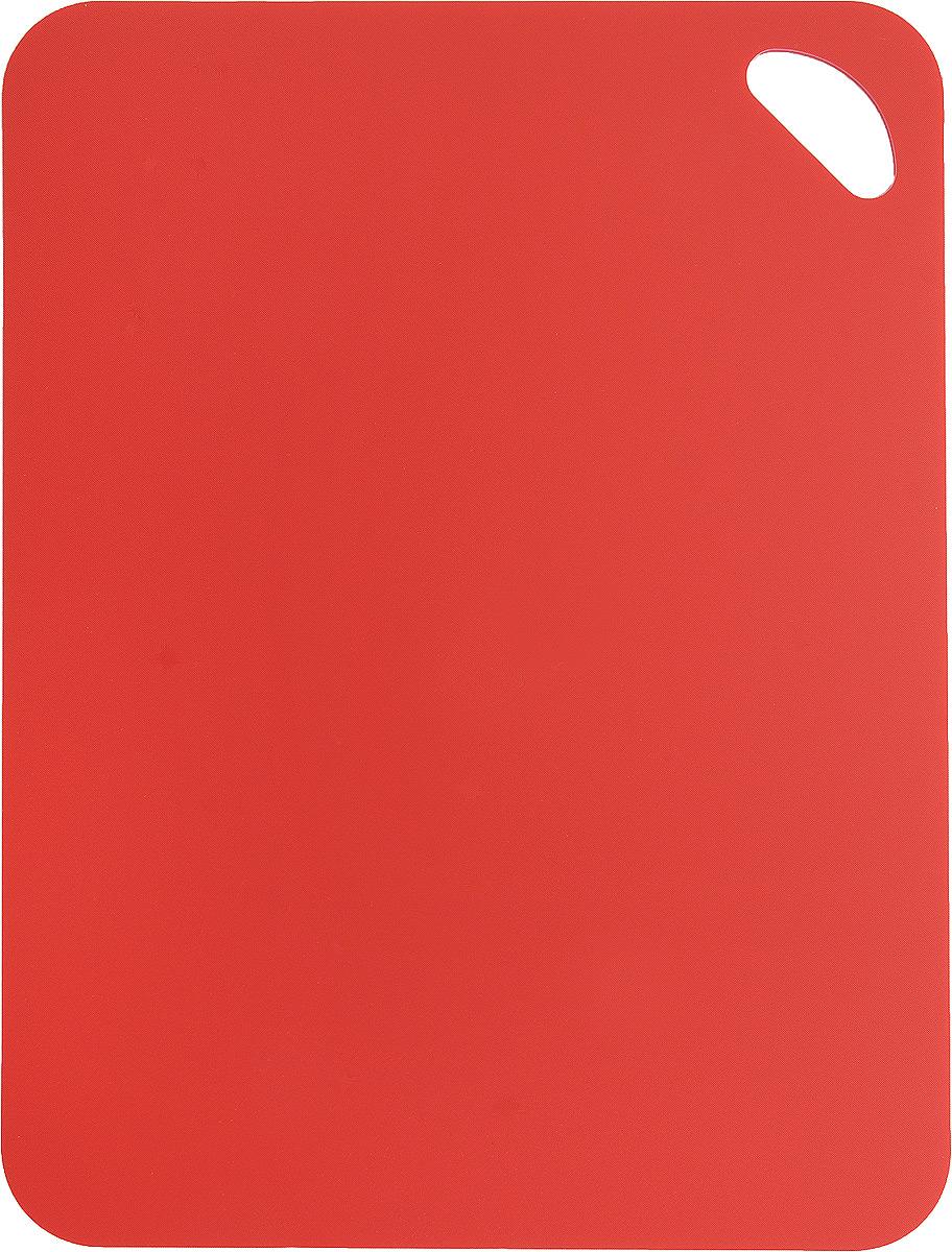 Коврик для резки Zeller, цвет: красный, 38 см х 29 см54 009312Коврик для резки Zeller выполнен из гибкого пластика, что позволяет удобно высыпать нарезанные продукты. Изделие не впитывает запах продуктов, имеет антибактериальную поверхность, отличается долгим сроком службы. Ножи не затупляются при использовании. Можно использовать обе стороны коврика. Такой коврик понравится любой хозяйке и будет отличным помощником на кухне. Можно мыть в посудомоечной машине.
