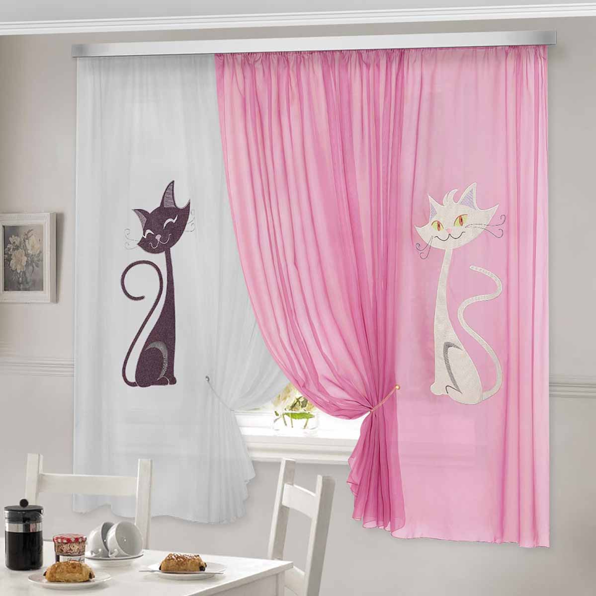 Комплект штор ТД Текстиль Кэти, на ленте, цвет: розовый, белый, высота 180 см92332Комплект штор Кэти изготовлен из вуалевого полотна с аппликацией в виде кошек. Шторы крепятся на карниз при помощи ленты, которая поможет красиво и равномерно задрапировать верх.