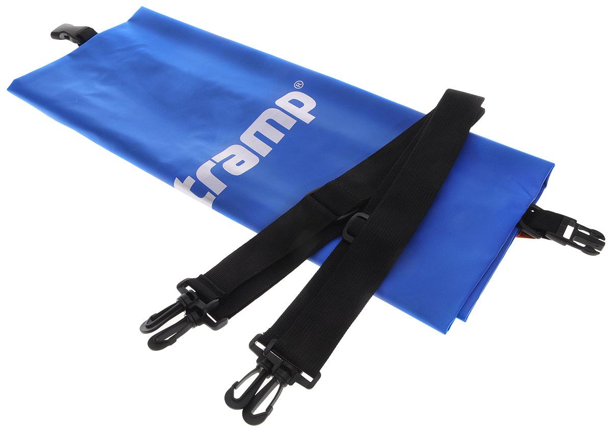 Гермомешок Tramp, цвет: синий, 20 л. TRA-0678652Гермомешок предназначен для транспортировки вещей и снаряжения на охоте, рыбалке, в туристических походах, на водных прогулках и их защиты от намокания (во время дождя или падении в воду/грязь). В сложенном виде очень компактный (поместится в карман рюкзака), имеет небольшой вес и в то же время крайне вместительный за счет 100% использования объема мешка. Материал ПВХ, из которого изготовлен мешок, прочный и 100% влагонепроницаемый.Прилагаются две съемные стропы-лямки для переноски на спине. Габаритный размеры мешка в разложенном виде: 62 х 24 см. Материал - ПВХ 500D, 580 гр/м.кв.Объем: 20 л.