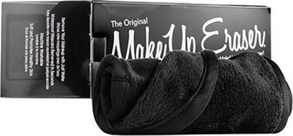 MakeUp Eraser салфетка для снятия макияжа чернаяFS-00897Makeup Eraser Original (черная) уникальная салфетка, которая с невероятной легкостью снимает макияж, аккуратно очищая кожу лица абсолютно естественным образом. Салфетка воздействует без применения привычных средств для удаления декоративной косметики или умывания, значительно упрощает повседневный ритуал ухода и очищения, делает его приятным и легким.Секрет магических свойств салфетки Makeup Eraser заключается в особом переплетении полиэстеровых нитей. При производстве изделия поверхность ткани не подвергается никакой химической обработке, что гарантирует ее гипоаллергенность и безопасность применения, а для того, чтобы начать процедуру использования салфетки, достаточно просто хорошо смочить ее в чистой теплой воде. Салфетку Makeup Eraser можно с успехом применять для любого типа кожи, в том числе очень чувствительной, ее мягкое воздействие не вызывает раздражений или покраснений, высокий уровень качества ткани гарантирует длительное использование салфетки, а ее великолепные очищающие и ухаживающие свойства не снижаются даже после многократных стирок изделия.