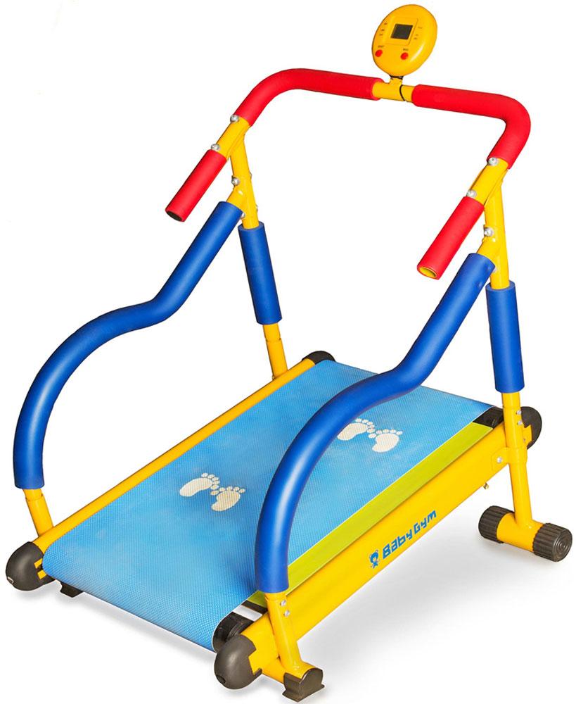 Дорожка беговая Larsen Baby Gym. LEM-KTM0020003954Дорожка беговая Larsen Baby Gym - используется детьми в возрасте от 4 до 8 лет и предназначен для улучшения координации движения, улучшения выносливости, укрепления мышц, улучшения работы сердечно-сосудистой системы. Тренажер Larsen Baby Gym - выполнен из стальной рамы с мягкими накладками, которые обеспечивают безопасность и удобное использование устройства. Максимальный вес ребенка составляет 50 кг. Беговое полотно выполнено из антистатического плотного материала, обеспечивающее плавное движение тренажера. Принцип использования тренажера состоит в следующем: ребенок встает на дорожку, преподаватель предлагает ему сначала пройти по следам, а затем пробежать. Длительность упражнений составляет 3-5 минут. Устройство оснащено экраном, который отображает показания скорости, расхода энергии и пройденной дистанции. Тренажер Larsen Baby Gym используется в домашних условиях и детских оздоровительных и воспитательных учреждениях.