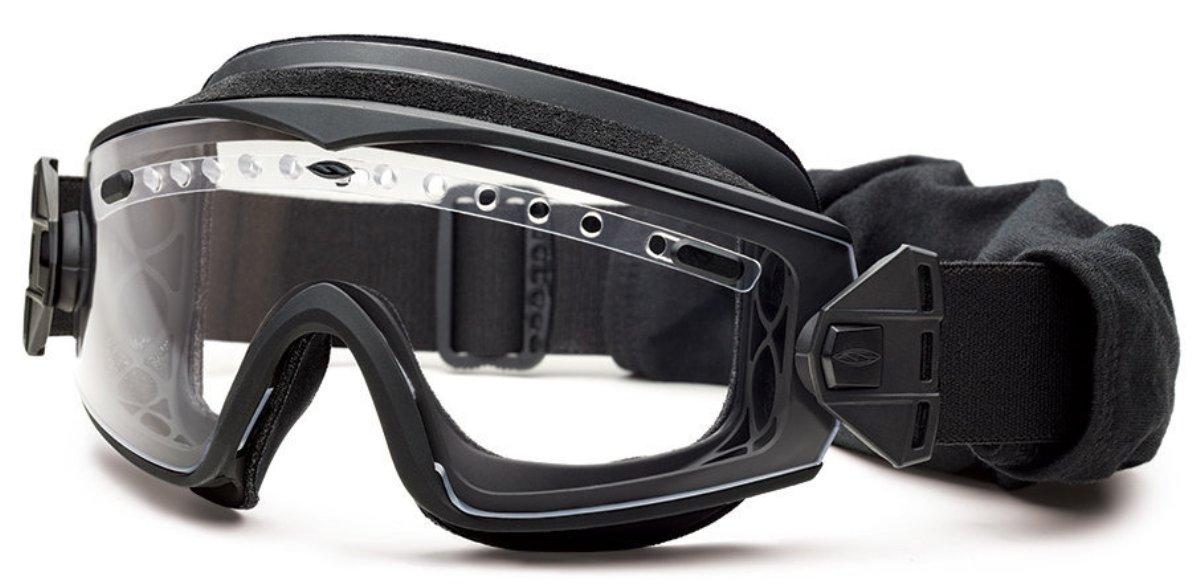 Защитные баллистические очки Smith Optics Lopro Regulator, цвет: черный3040Защитные баллистические очки Smith Optics Lopro Regulator специально разработаны для использования с приборами ночного видения, установленными на шлем, и избегания дополнительной дисторсии поля зрения.Низкопрофильная маска надежно фиксируются на голове широким 35-миллиметровым эластичным ремешком. Цвет оправы и ремешка черный.Прозрачные линзы со светопропусканием 90% и дополнительные сменные линзы со светопропусканием 15% для использования в условиях повышенной освещенности. Все линзы полностью защищают от любого ультрафиолетовго излучения.Специальное покрытие предохраняет линзы от царапин и запотевания.Очки-маска соответствуют стандарту баллистической защиты.Система вентиляции гарантирует отсутствие внутреннего запотевания и может регулироваться как правой, так и левой рукой. Комплект поставки:Очки-маска Lopro Regulator с прозрачными линзамиСменные затемненные линзы в матерчатом чехле Плотный футляр для переноски и хранения Картонная упаковочная коробка