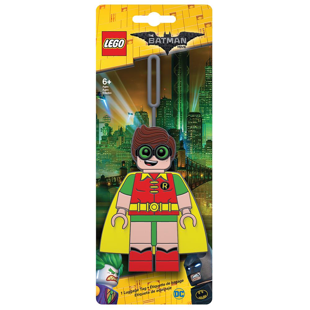 Бирка для багажа LEGO Batman Movie Robin. 51751MABLSEH10001Бирка для багажа LEGO Batman Movie Robin - силиконовая бирка надежно крепится к багажу с помощью петли. Яркий и неповторимый дизайн сразу же привлечет внимание, и вы легко отыщите свой чемодан на транспортной ленте. Запишите свои контактные данные на обратной стороне бирки и можете не бояться, что ваш чемодан потеряется, ведь теперь работники аэропорта точно будут знать его хозяина.