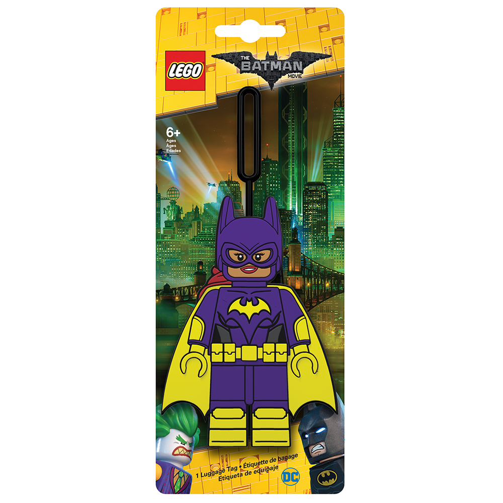 Бирка для багажа LEGO Batman Movie Batgirl. 5175251752Бирка для багажа LEGO Batman Movie Batgirl - силиконовая бирка надежно крепится к багажу с помощью петли. Яркий и неповторимый дизайн сразу же привлечет внимание, и вы легко отыщите свой чемодан на транспортной ленте. Запишите свои контактные данные на обратной стороне бирки и можете не бояться, что ваш чемодан потеряется, ведь теперь работники аэропорта точно будут знать его хозяина.