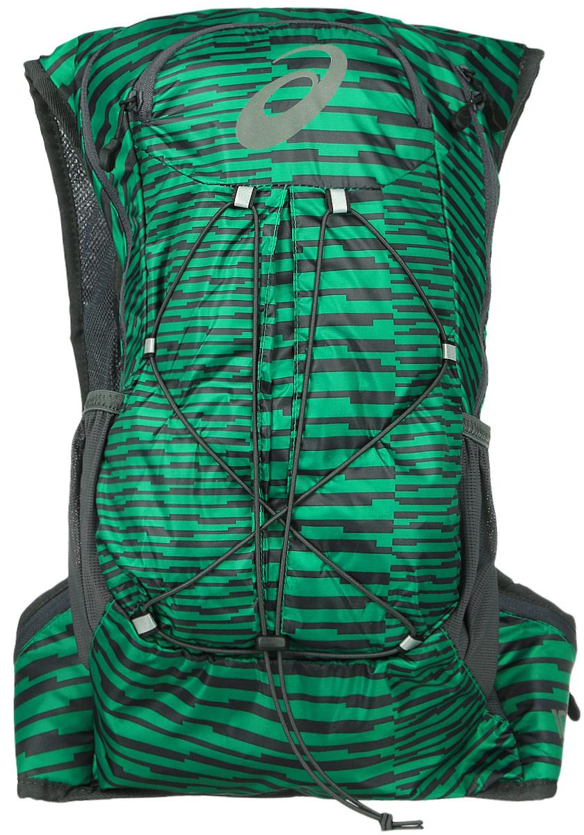 Рюкзак спортивный Asics Lightweight Running Backpack, цвет: зеленый, 10 л. 131847-5007ГризлиРюкзак спортивный Asics Lightweight Running Backpack выполнен из полиэстера. Это самый удобный рюкзак для бега с экипировкой, который прилегает к телу как спортивный топ. Модель оснащена петлей для подвешивания и карманом в плечевой лямке с регулируемым объемом. Все принадлежности останутся невредимыми в основном отделении на молнии. Благодаря плотному прилеганию и уплотнению со стороны спины вы совершенно не будете ощущать их. Эластичный ремень позволит прикрепить к рюкзаку куртку, когда станет жарко, и быстро надеть ее, когда погода изменится. Легкий компаньон для комфортного бега. Все, что нужно на средних дистанциях, находится под рукой в основном отделении, в удобных боковых карманах и на эластичном шнуре. Материал усиленного плетения гарантирует долговечность.