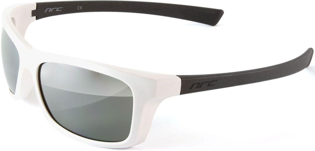 Очки солнцезащитные NRC, цвет: белый. 21006RivaCase 8460 aquamarineОчки солнцезащитные NRC - предназначены, как для езды на велосипеде, так и для многих других видов спорта. Бренд NRC известен собственными фирменными разработками, адаптирующими очки под разные климатические условия, различное время суток, степень освещенности, а также под индивидуальные потребности каждого конкретного пользователя. Особенности:Дымчатые линзы с градиентомМатериал оправы – термопластичный эластомер (ТPE)Оправа - небьющаяся, гибкая, мягкая, легкая, удобная и безопасная Материал линзы - поликарбонат (РС)Покрытие – защитное от царапин [NOSCRATCH]Прозрачность -12%Категория фильтра -3Вес -32,9 гКривизна (изгиб) -8