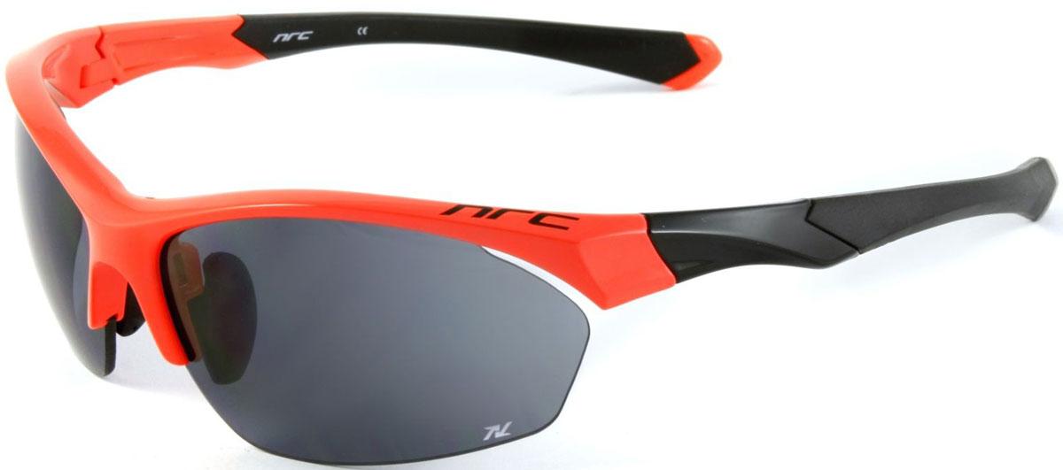 Очки солнцезащитные NRC, цвет: оранжевый. 21013Z90 blackОчки солнцезащитные NRC - предназначены, как для езды на велосипеде, так и для многих других видов спорта. Бренд NRC известен собственными фирменными разработками, адаптирующими очки под разные климатические условия, различное время суток, степень освещенности, а также под индивидуальные потребности каждого конкретного пользователя. Особенности:Дымчатые линзыМатериал оправы – нейлон (TR90)Оправа - регулируемые носоупоры, дужки, возможность использовать одновременно с обычными (рецептурными) очкамиМатериал линзы - триацетат целлюлоза(TAC)поликарбонат (РС) -поляризованная[BIO]Покрытие –защитное от царапин, антибликовое, антизапотевающее, зеркальноеПрозрачность -13%Категория фильтра -3Вес -28,1 гКривизна (изгиб) - 8
