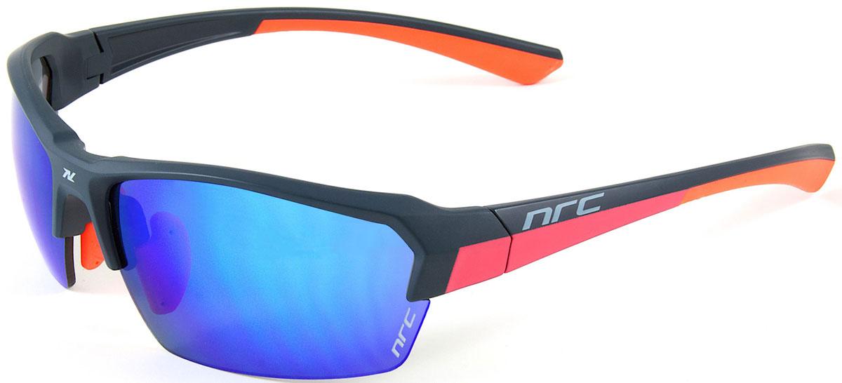 Очки солнцезащитные NRC, цвет: синий. 2101921019Очки солнцезащитные NRC - предназначены, как для езды на велосипеде, так и для многих других видов спорта. Бренд NRC известен собственными фирменными разработками, адаптирующими очки под разные климатические условия, различное время суток, степень освещенности, а также под индивидуальные потребности каждого конкретного пользователя. Особенности:Синие зеркальные линзыМатериал оправы – нейлон (TR90)Оправа - регулируемые носоупоры, дужки, возможность использовать одновременно с обычными (рецептурными) очкамиМатериал линзы - поликарбонат (РС) Покрытие –защитное от царапин, антибликовое, антизапотевающее, зеркальноеПрозрачность -13%Категория фильтра -3Вес -23,9 гКривизна (изгиб) - 8