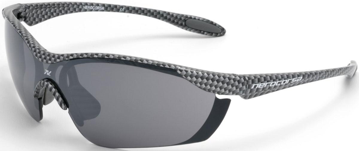 Очки солнцезащитные NRC, цвет: серый. 21031Т58222Очки солнцезащитные NRC - предназначены, как для езды на велосипеде, так и для многих других видов спорта. Бренд NRC известен собственными фирменными разработками, адаптирующими очки под разные климатические условия, различное время суток, степень освещенности, а также под индивидуальные потребности каждого конкретного пользователя. Особенности:Очки карбонДымчатые линзыМатериал оправы – Нейлон (TR90)Оправа - небьющаяся, изогнутая, удобная и безопасная Материал линзы - поликарбонат (РС)Особенности линзы - фотохромнаяПокрытие – защитное от царапин, антизапотевающее, зеркальноеПрозрачность -15%Категория фильтра -3Вес -22,2 гКривизна (изгиб) -7