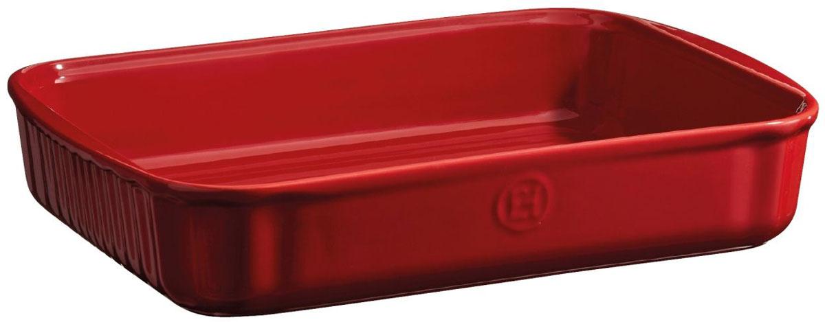 Форма для выпечки Emile Henry, прямоугольная, цвет: гранатовый, 22 х 30 см349680Универсальная прямоугольная форма для выпечки Emile Henry имеет идеальный размер для встречи гостей! Тирамису, брауни, другие любимые десерты - дайте волю воображению.С помощью небольших ручек, форму легко извлекать или ставить в духовку, на стол.HR керамика идеально пропекает пироги изнутри.Изделия Emile Henry прекрасно держат температуру, как низкую, так и высокую, поэтому сервированные в них блюда долго остаются холодными или горячими, в зависимости от того, достали вы их из духовки или из морозильной камеры. Ваши хлебцы, пироги, торты, кексы и рулеты будут восхитительными в посуде Emile Henry.