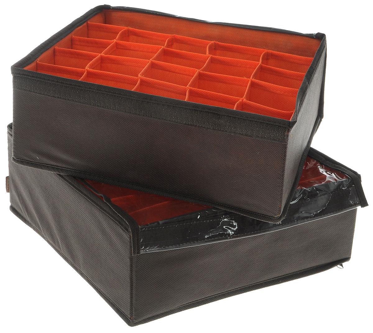 Набор органайзеров для белья Все на местах Классика, с крышкой, цвет: коричневый, оранжевый, 2 предметаБрелок для ключейНабор состоит из двух органайзеров для хранения косметики и аксессуаров, а также белья.Изделия выполнены из высококачественного нетканого материала (спанбонда), которыйобеспечивает естественную вентиляцию, позволяя воздуху проникать внутрь, но не пропускаетпыль. Вставки из ПВХ хорошо держат форму.Набор органайзеров поможет привести элементы женского туалета или белья в порядок. Оригинальный дизайн придется по вкусу ценительницам эстетичного хранения. Размер органайзеров: 32 см х 32 см х 11 см.