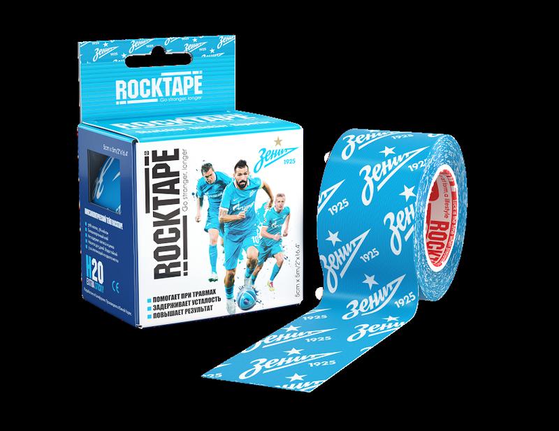 Кинезиотейп Rocktape H2O, 5 см х 5 м. 1103-008RCT100-PD-OSЛимитированная серия тейпов RockTape H2O специально для фанатов ФК Зенит!На тренировках, в офисе или в обычной жизни каждый имеет право на самовыражение.Мы в RockTape ценим ваши увлечения и желание поддержать любимую команду сине-бело-голубых всегда и везде.Специально для фанатов и всех сопричастных к ним мы подготовили лимитированную серию самых выносливых тейпов RockTape H2O, что бы вы оставались сильными и выносливыми дольше.Состав тейпа:Материал: 97% хлопок, 3% нейлонОсобо стойкая гипоаллергенная клеевая основаЭластичность: 180-190% (!)Супер водостойкийНосится, не теряя свойств до 5 днейПроизводство: США/КореяОтличительной особенностью тейпов RockTap H2O является повышенная выносливость к внешним факторам за счет чего тейп держится дальше, при этом не теряя свои свойства и продолжая поддерживать спортсмена в течение нескольких дней и в любых условиях!