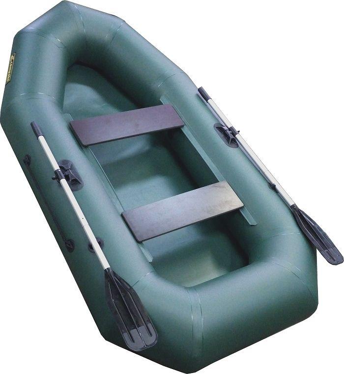 Лодка надувная Leader Компакт-255 гребная, цвет: зеленый55332Гребная надувная лодка Компакт 255 — лодка рассчитана на одного или двух пассажиров. Упаковка - ГЕРМОБАУЛ- Лодка Компакт состоит из одного замкнутого баллона, разделенного перегородками на 2 отсека, что позволит лодке остаться на плаву даже при случайном проколе баллона.- Корпус лодки Компакт изготавливается из 5-ти слойной ткани ПВХ корейского производства MIRASOL, являющейся одной из лучших на рынке. Используется ткань плотностью 750 г/м.кв. Реальный срок службы лодки из ПВХ составляет больше 15 лет. За счёт материала лодка подходит для эксплуатации в различных условиях — в тихих закрытых водоёмах, на волне или порожистых реках, среди коряг и камышей. Лодки из ПВХ не требуют специальной обработки после использования и на период хранения.- швы лодки соединены современным методом горячей сварки. Ткань соединяется встык, с проклейкой с двух сторон лентами из основного материала шириной 4 см на специальной машине. Для склейки применяется клей на полиуретановой основе, который, вступая в химический контакт с материалом склеиваемых поверхностей, соединяется с тканью на молекулярном уровне и получается единое полотно.- раскрой материала для лодок Компакт производится с использованием современной вычислительной техники, в результате чего человеческий фактор сведен к минимуму, что гарантирует идеальную геометрию лодки и исключает возможность брака.- по бортам внутри корпуса для банок установлена система Ликтрос - Ликпаз, основным преимуществом которой является подвижность что позволяет удобно разместится в лодке людям разной весовой категории. Банки изготовлены из фанеры толщиной 18 мм.- леерный пояс, установленный на баллоне, обеспечивает безопаснось пассажирам и дополнительное удобство переноски.-якорный рым на носу лодки предназначен для буксировки.- уключины лодок серии Компакт выдерживают физическое усилие до 140 кг.- в комплекте с лодкой поставляется ГЕРМОБАУЛ, который является упаковочной непромокаемой сум