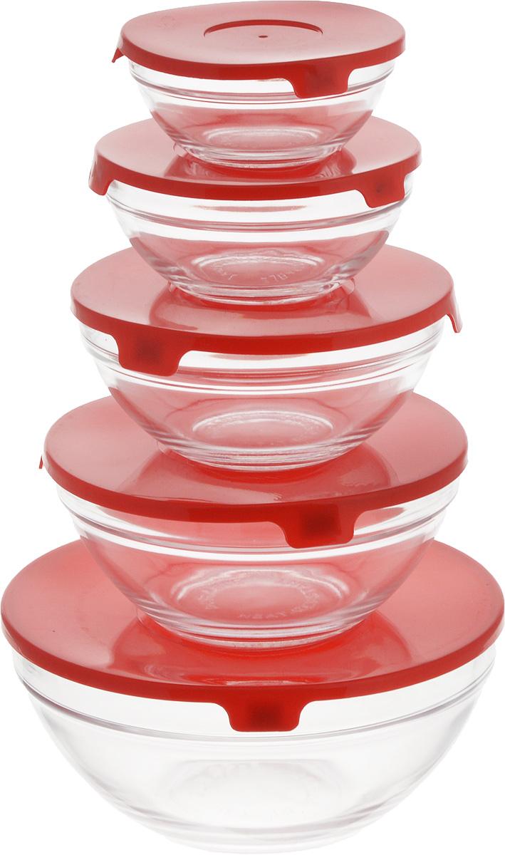 Набор салатников Wellberg Comfort, с крышками, цвет: прозрачный, красный, 5 шт115510Набор Wellberg Comfort состоит из 5 круглых салатников, выполненных из прочного стекла, и 5 пластиковых крышек. Изделия прекрасно подходят для сервировки салатов и закусок, маленькие салатники идеальны для подачи соусов. Поверхность изделий гладкая и ровная, легко чистится. Салатники снабжены плотно закрывающимися крышками, благодаря которым продукты удобно хранить в холодильнике. Такой набор станет практичным приобретением для вашей кухни. Изделия можно мыть в посудомоечной машине и использовать в микроволновой печи. Диаметр салатников: 9 см, 10,5 см, 12,5 см, 14 см, 17 см. Высота салатников: 4 см, 4,8 см, 5,5 см, 6,2 см, 9 см.Объем салатников: 150 мл, 200 мл, 350 мл, 500 мл, 900 мл.