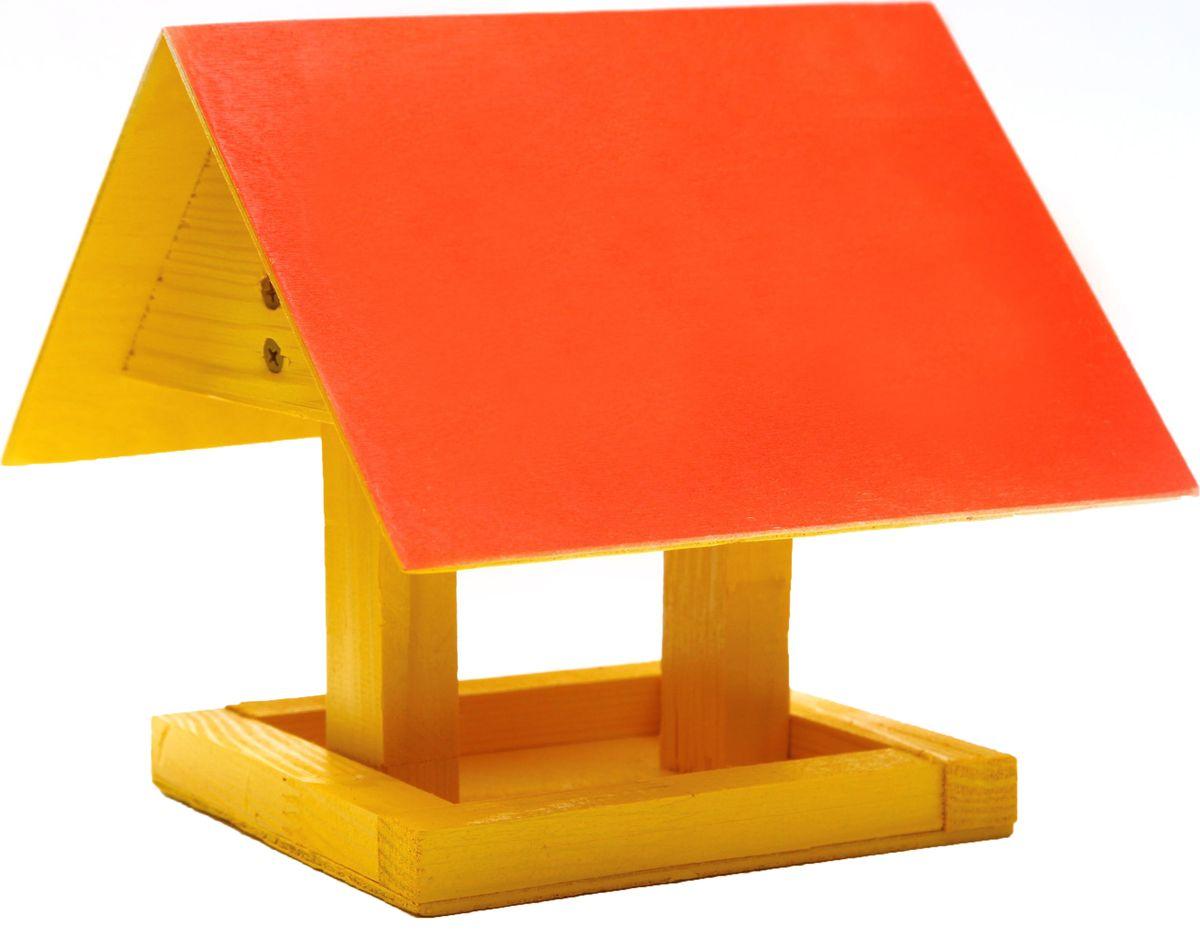 Кормушка для птиц Proffi, цвет: желтый, красный. PH8474531-401Кормушка для птиц Proffi представляет собой небольшой деревянный домик выполненный из дерева. Крыша кормушки защищает пищу птиц и сохраняет ее сухой и свежей. Габариты (мм) ДхШхВ: 240 х 200 х 170 мм.Вес (кг): 0,5 кг.Материал: Береза.Цвет: Натуральный, цветной.Габариты упаковки (мм) ДхШхВ: 240 х 200 х 170 мм.Вес с упаковкой (кг): 0,55 кг.