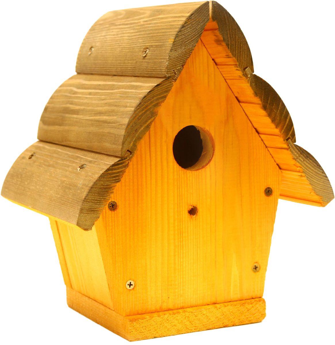 Домик для птиц Proffi. PH8475531-402Домик для птиц Proffi выполнен из дерева. Изделие предназначено для укрытия или послужит кормушкой для птиц. Такой домик украсит ландшафт вашего приусадебного участка, придаст ему оригинальность и самобытность или станет отличным дополнением к клетке.