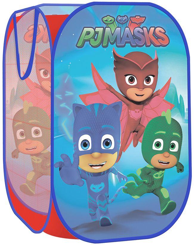PJ Masks Корзина для игрушекCLP446Корзина для игрушек Герои в масках - это прекрасное решение для хранения детских игрушек. Вместительная корзина с самораскладывающимся пластиковым каркасом имеет размер 36х36х58 см, легко складывается и раскладывается, компактна в сложенном виде. На две ее стороны нанесены изображения любимых персонажей, две другие стороны - сетчатые, что способствует свободной вентиляции и хорошему обзору содержимого корзины для более легкого нахождения игрушек. Боковые ручки удобны для переноски. Товар сертифицирован, изготовлен из полиэстера с пластиковыми элементами. Упаковка - чехол размером 21x21x3 см с вкладышем.