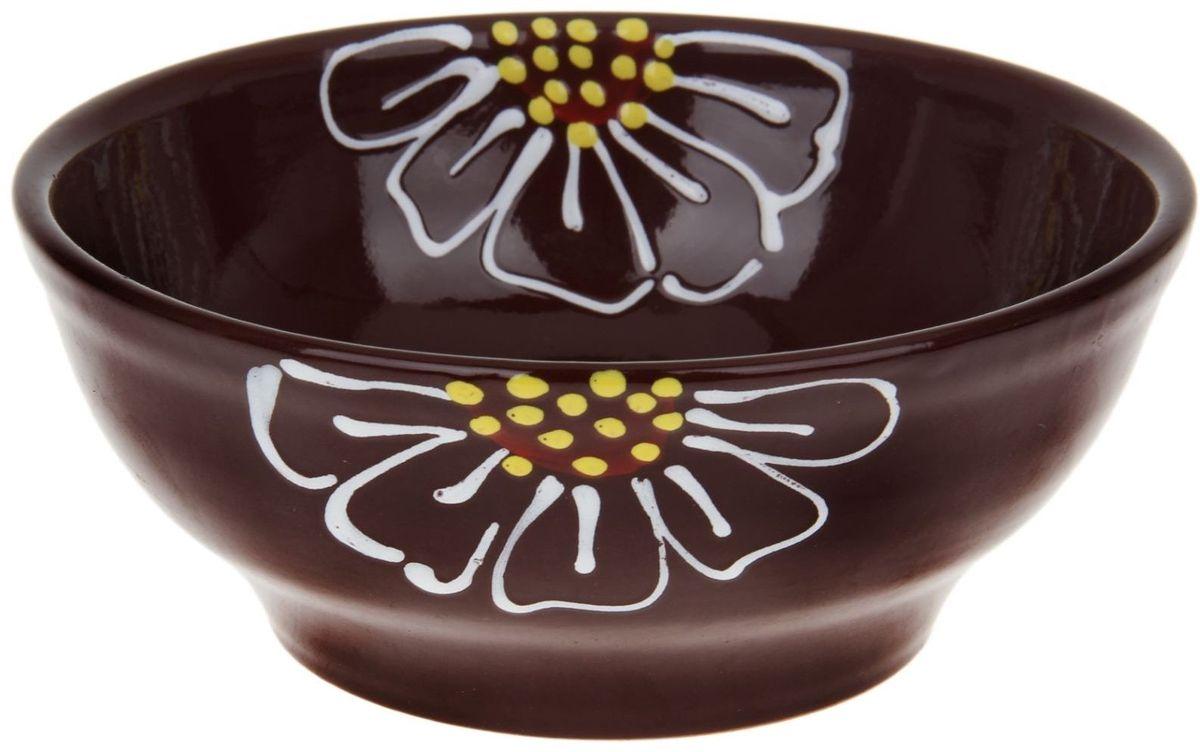 Миска Псковский гончар, цвет: коричневый, 800 мл115510Из красивой посуды любое блюдо кажется вкусней! Специальная миска превратит каждый прием пищи в праздник! Вы можете налить в неё любой суп, использовать под вторые блюда. Из неё приятно кушать окрошку. Но это еще не всё!Материал:Специальный материал - красная глина - позволит ставить миску в духовку, на аэрогриль и в СВЧ-печь. Специальный обжиг повышает прочность и долговечность изделия. Безопасная глазурь облегчит процесс мытья. Любой продукт, приготовленный в ней, приобретает «эффект русской печи» - особый вкус и аромат, с сохранением полезных витаминов и минералов. Блюда надолго сохранят свою температуру благодаря пористой структуре изделия.Дизайн:Лаконичная форма и яркая расцветка будут поднимать настроение и аппетит, притягивать взгляды и вызывать желание попробовать содержимое миски от «Псковского гончара»! Устойчивое донышко предотвращает возможность опрокидывания.Выбирайте качественные вещи, которые будут радовать вас долгие годы и создадут на вашем столе неповторимую атмосферу уюта и тепла!