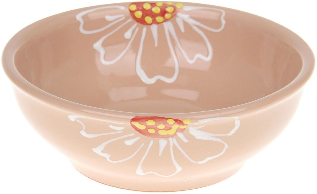 Миска Псковский гончар, цвет: бежевый, 600 мл54 009312Из красивой посуды любое блюдо кажется вкусней! Специальная миска превратит каждый прием пищи в праздник! Вы можете налить в неё любой суп, использовать под вторые блюда. Из неё приятно кушать окрошку. Но это еще не всё!Материал:Специальный материал - красная глина - позволит ставить миску в духовку, на аэрогриль и в СВЧ-печь. Специальный обжиг повышает прочность и долговечность изделия. Безопасная глазурь облегчит процесс мытья. Любой продукт, приготовленный в ней, приобретает «эффект русской печи» - особый вкус и аромат, с сохранением полезных витаминов и минералов. Блюда надолго сохранят свою температуру благодаря пористой структуре изделия.Дизайн:Лаконичная форма и яркая расцветка будут поднимать настроение и аппетит, притягивать взгляды и вызывать желание попробовать содержимое миски от «Псковского гончара»! Устойчивое донышко предотвращает возможность опрокидывания.Выбирайте качественные вещи, которые будут радовать вас долгие годы и создадут на вашем столе неповторимую атмосферу уюта и тепла!