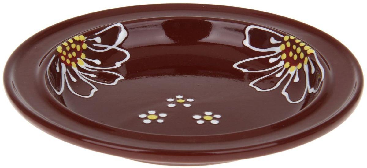 Тарелка Псковский гончар Орнамент, цвет: коричневый, диаметр 20 см115510Из красивой посуды любое блюдо кажется вкусней! Специальная тарелка d=20 см Орнамент превратит каждый прием пищи в праздник! Вы можете разложить закуски, использовать её под вторые блюда. Из такой посуды приятно кушать тортики. Но это еще не всё!Материал:Специальный материал — красная глина — позволит ставить миску в духовку, на аэрогриль и в СВЧ-печь. Специальный обжиг повышает прочность и долговечность изделия. Безопасная глазурь облегчит процесс мытья. Блюда на нашей миске надолго сохранят свою температуру благодаря пористой структуре изделия.Дизайн:Лаконичная форма и яркая расцветка будут поднимать настроение и аппетит, притягивать взгляды и вызывать желание попробовать содержимое тарелки от «Псковского гончара»! Устойчивое донышко предотвращает возможность опрокидывания.Выбирайте качественные вещи, которые будут радовать вас долгие годы и создадут на вашем столе неповторимую атмосферу уюта и тепла!