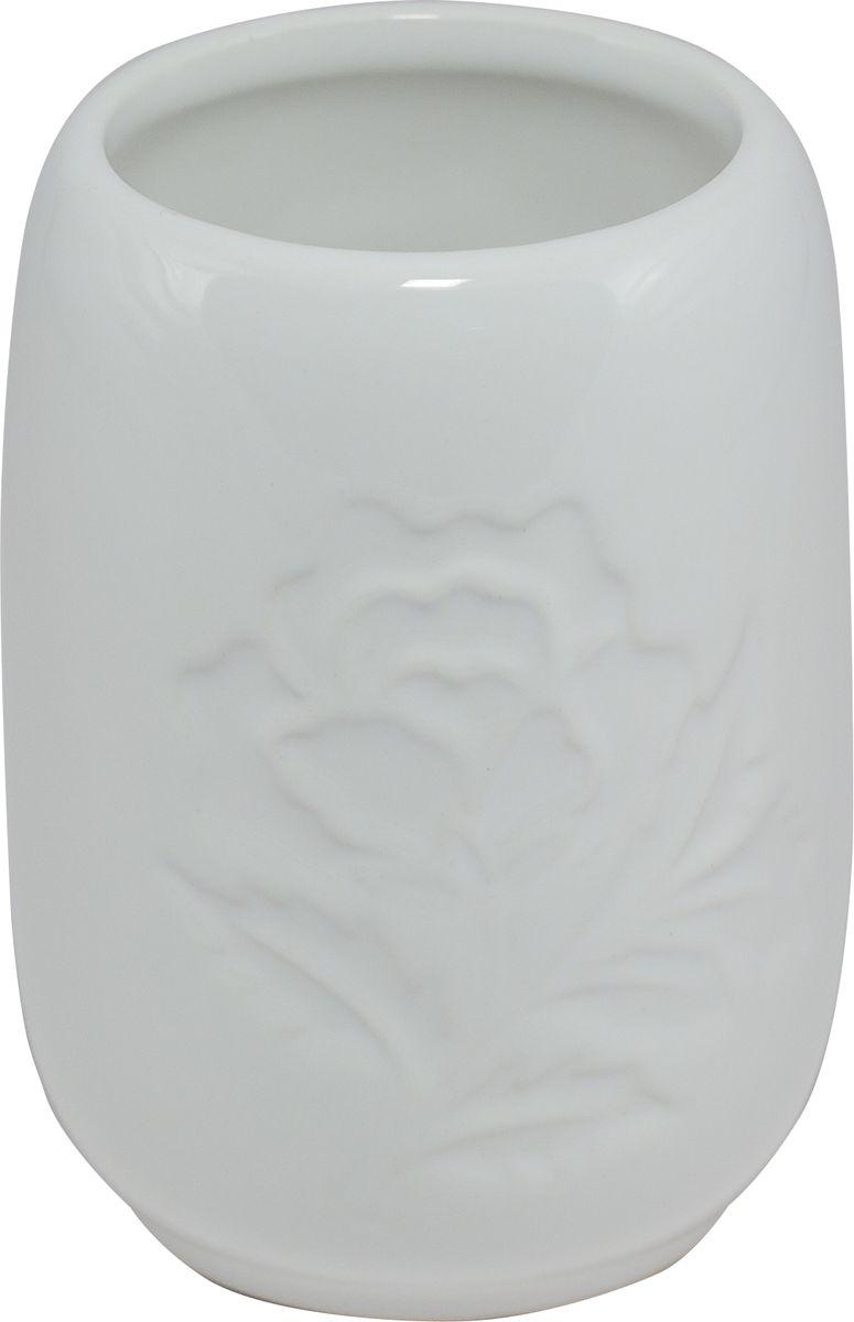 Стакан для ванной Swensa Пион, цвет: белый68/5/2Стакан для ванной Swensa Пион представляет собой изящное изделие, изготовленное в классическом стиле, который никогда не выйдет из моды. Плавные очертания и нежные флористические узоры на поверхности позволят стакану гармонично дополнить интерьер ванной комнаты. Высококачественной и экологичной керамике не требуется особый уход, поэтому стакан прослужит своим владельцам на протяжении длительного времени.
