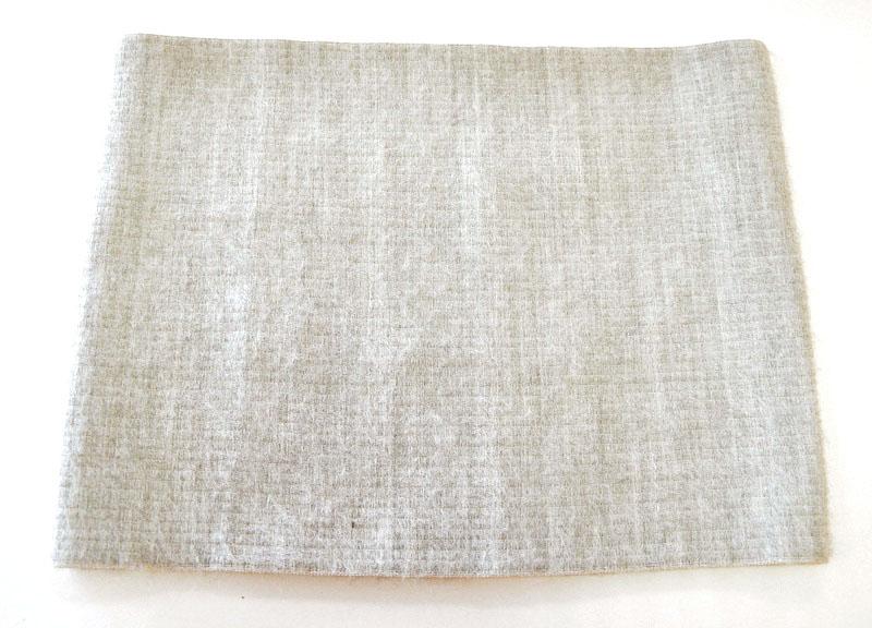 Almed Пояс медицинский элаcтичный согревающий (с шерстью мериноса ) №3GESS-008Пояс является двусторонним — внутренняя сторона хлопковая, внешняя сторона п/шерстяная, пояс можно носить одной или другой стороной — в зависимости от показаний, непосредственно на теле или на белье индивидуально. В данном изделии использована шерсть мериноса — это тонкорунная шерсть (толщина менее 24 мк), состриженная с холки овец, выращенных в питомниках Австралии и Новой Зеландии. Шерсть мериноса обладает термостатическими свойствами. Благодаря естественному завитку, она особо упругая.СОСТАВ:Полушерсть — 35%Хлопок — 52 %Латекс — 7 %Полиэфир — 6 % обхват талии; обхват бедра; ширина пояса XS 60-67; 86-95; 28 S 68-75; 96-101; 28 M 76-81; 102-107; 28 L 82-87; 108-113; 28 XL 88-98; 114-119; 28 XXL 99-109; 120-128; 28 XXXL 110-120; 129-137; 28УПАКОВКА:ЭКО-сумка ХлопокВкладыш— 1 шт.