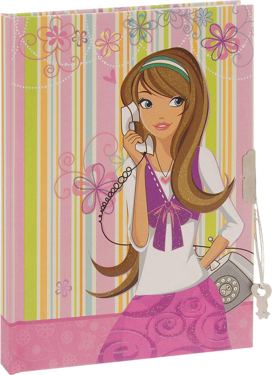 Brauberg Блокнот С телефоном 60 листов в линейку 123542C13S400035Компактный блокнот Brauberg С телефоном без труда поместится даже в карман и всегда будет под рукой. Блокнот в линейку идеально подойдет для записей и пометок, а также для ведения личного дневника. Обложка закрывается на ключ и надежно сохранит все ваши секреты и личные записи от посторонних глаз. Ароматизированный внутренний блок, представленный 60 листами, сделает использование такого блокнота еще более приятным. Практичный блокнот в обложке с милым рисунком поднимет настроение и понравится всем любителям оригинальных вещей.