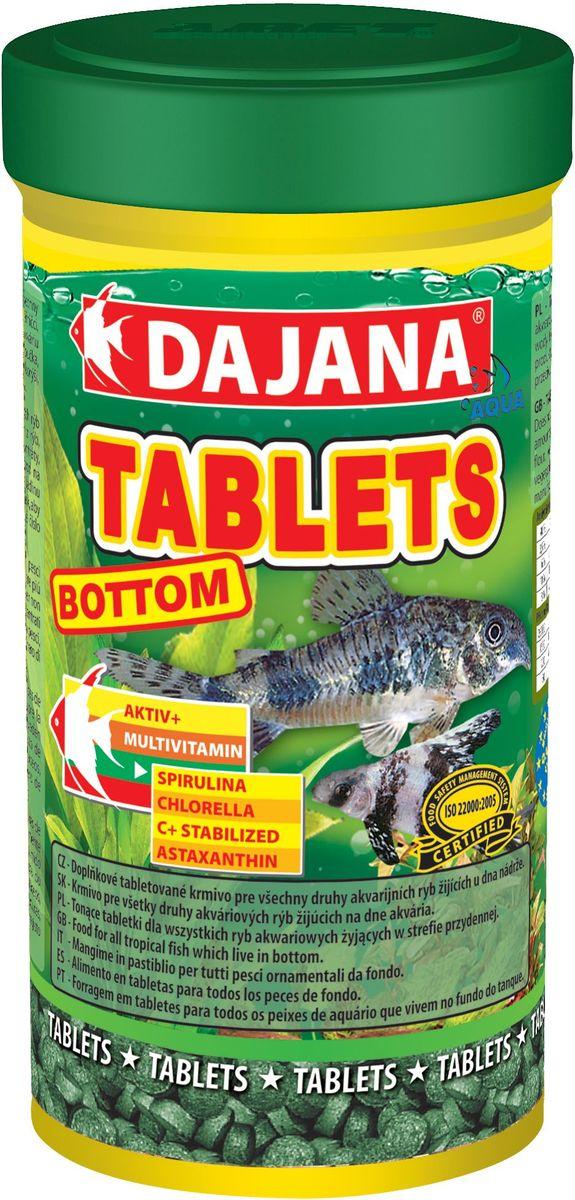 Корм для рыб Dajana Tablets Bottom, 250 мл0120710Корм Dajana Tablets Bottom в виде таблеток, специально разработанный для кормления рыб, обитающих на дне аквариума - сомики, сомики крапчатые, анциструсы и т.д. Представляет собой сбалансированную пропорцию важнейших питательных веществвитаминов, способствующую укреплению иммунной системы, здоровому росту и увеличению продолжительности жизни благодаря достижению биологического баланса в организме рыбы. Корм содержит частицы дерева Мопане, которые улучшают процесс пищеварения и метаболизма в организме рыбы. Также содержит спирулину.Благодаря специальной рецептуре изготовления, корм Dajana Tablets Bottom не мутит воду в аквариуме. Состав: Рыбная мука, зерновые, растительные протеиновые концентраты, сухие дрожжи, планктон, водоросли, растительные масла и жиры, лецитин, антиоксиданты.